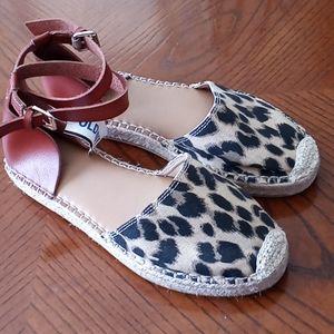 Old Navy Leopard Print Sandals